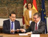 Presidenta Cospedal preside firma convenio Centenario Quijote_2