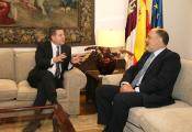 El presidente García-Page recibe al presidente del Tribunal Constitucional, Francisco Pérez de los Cobos