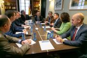 eúne, en Albacete, con los responsables de la empresa 'Repetco'
