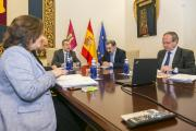 Reunión con los representantes regionales de los sindicatos y la patronal