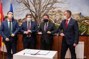 Firma de convenio en materia de carreteras con la Diputación de Albacete