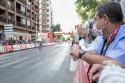 El presidente de Castilla-La Mancha, Emiliano García-Page, asiste a la llegada a meta de la 5ª etapa de la 76 edición de la Vuelta Ciclista a España.