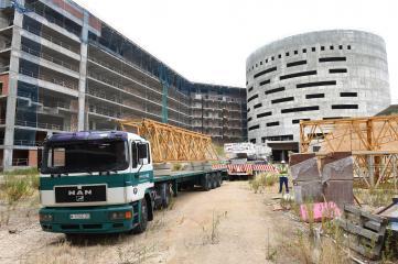 Las grúas comienzan a llegar al nuevo Hospital de Toledo