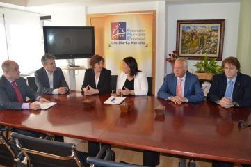 El Gobierno de Castilla-La Mancha y la FEMP rubrican un acuerdo en materia de seguridad y salud laboral