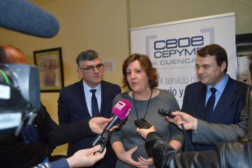 La consejera de Economía, Empresas y Empleo se ha reunido con los miembros de la junta directiva de CEOE Cuenca