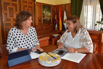 La consejera de Economía, Empresas y Empleo, Patricia Franco, se reúne con la alcaldesa de Talavera de la Reina, Tita García Élez