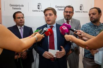 El consejero de Fomento, Nacho Hernando, mantiene un encuentro con el delegado de la Junta en Guadalajara Eusebio Robles