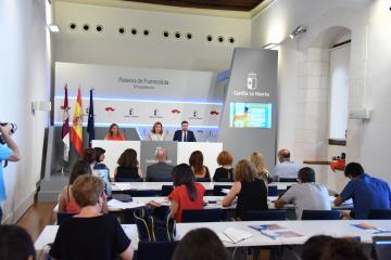 El Gobierno regional se muestra abierto al diálogo con los representantes sindicales para seguir mejorando las ratios y las condiciones laborales de los docentes