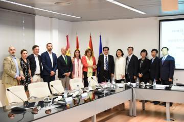 La consejera de Economía, Empresas y Empleo, Patricia Franco recibe a la Delegación del Gobierno provincial de Henan (China)