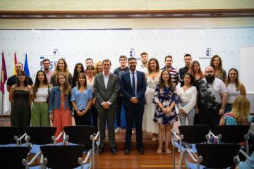 El viceconsejero de Educación, Amador Pastor, presenta el proyecto 'II Becas CECAM Movilidad Europea CLM'
