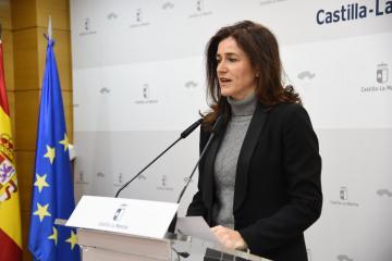 La viceconsejera de Empleo, Diálogo Social y Bienestar Laboral, Nuria Chust, comparece en rueda de prensa