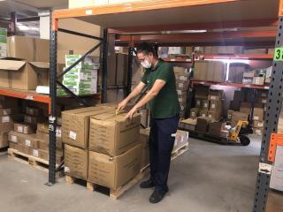 El Gobierno de Castilla-La Mancha distribuye cerca de 91.000 artículos de protección y otros 2.000 test rápidos en los centros de la provincia de Toledo