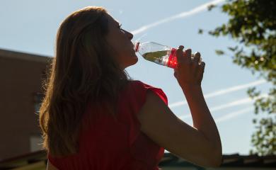 El Gobierno de Castilla-La Mancha ofrece recomendaciones para protegerse frente al sol y el calor