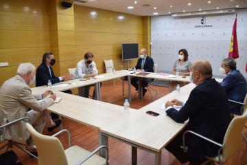 El Gobierno regional valora la llegada de nuevos proyectos para el desarrollo del Aeropuerto de Ciudad Real como polo de atracción de empresas