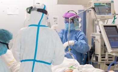 Los hospitalizados por COVID-19 en cama convencional bajan de los 700 en Castilla-La Mancha, la menor cifra en 17 días