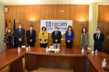 Patricia Franco y Blanca Fernández asisten a la firma del Plan de Igualdad de CECAM