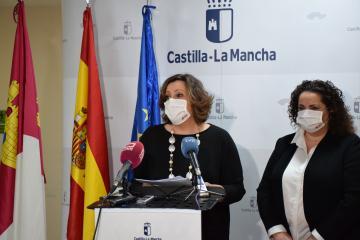 La consejera de Economía, Empresas y Empleo, Patricia Franco, informa en rueda de prensa sobre las últimas convocatorias de Formación Profesional para el Empleo del Gobierno regional.