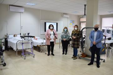 Marta Roldán visita la sede de la Fundación CERES en Tomelloso