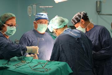 Profesionales del Complejo Hospitalario Universitario de Albacete realizan cinco trasplantes renales en tres días