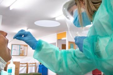 Castilla-La Mancha registra 74 nuevos casos por infección de coronavirus, mientras dos hospitales ya no tienen pacientes COVID en cama convencional