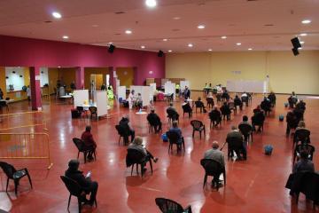 Vacunación en el centro autorizado de La Roda