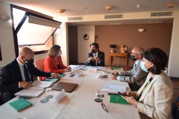 La consejera de Economía, Empresas y Empleo, Patricia Franco, mantiene una reunión de trabajo con el secretario de Estado de Economía y Apoyo a la Empresa, Gonzalo García