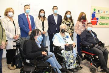 La consejera de Bienestar Social, Bárbara García Torijano, inaugura junto al presidente de la Diputación de Ciudad Real, José Manuel Caballero, la nueva sede de Oretania CLM-Activa.