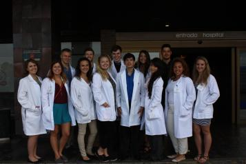 El Complejo Hospitalario Universitario de Albacete forma a más de sesenta alumnos norteamericanos durante este verano