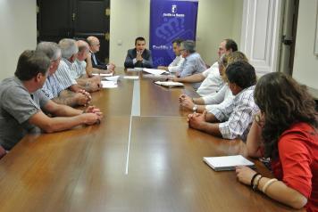 El consejero de Agricultura se reúne con la Plataforma de Usuarios y Regantes de la Cabecera del Segura en Albacete