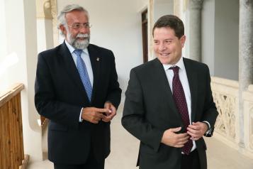 Reunión del presidente García-Page con el alcalde de Talavera de la Reina, Jaime Ramos