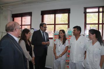 Fernández Sanz resalta el trabajo de los profesionales que atienden el Punto de Urgencias Médicas en la Feria de Albacete