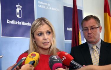 La consejera de Fomento le recuerda al delegado del Gobierno de España que hay casi 2.000 demandantes de vivienda en la provincia de Toledo