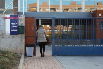 Educación contrata a 33 profesores para trabajar en Centros de Educación de Personas Adultas