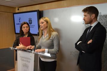 La consejera de Fomento, Elena de la Cruz, durante la rueda de prensa, en Ciudad Real