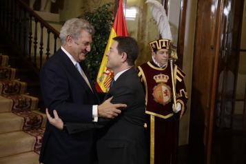 García-Page participa en el homenaje a la Constitución en Madrid