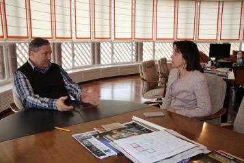 El Gobierno regional refirma su compromiso de colaboración con el Teatro de Rojas