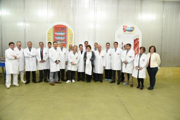 El presidente Emiliano García-Page, visita las instalaciones de la empresa cárnica '7 Hermanos S.A.