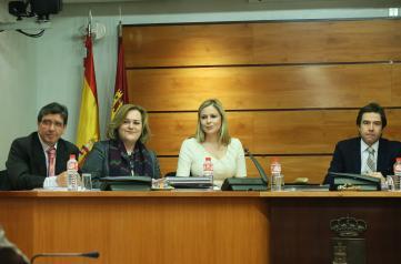 Elena de la Cruz comparece en la Comisión de Economía y Presupuestos
