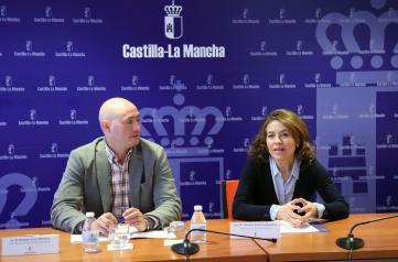 La consejera de Bienestar Social, Aurelia Sánchez, preside la Comisión de trabajo de la Oficina Regional de Atención a las Personas Refugiadas