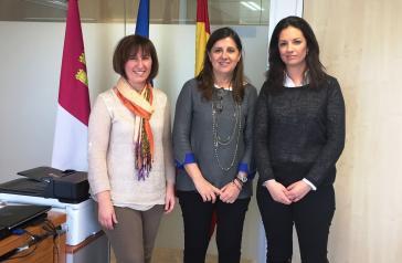 La directora gerente del SESCAM mantiene un encuentro con la Asociación Castellano-Manchega de Enfermería Comunitaria