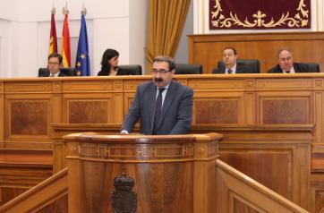 El consejero de Sanidad interviene en el debate de las Cortes regionales