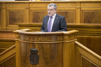 El consejero de Educación, Cultura y Deportes de Castilla-La Mancha, Ángel Felpeto, comparece en las Cortes regionales