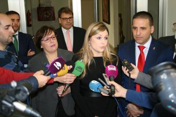 Elena de la Cruz se reúne con alcaldes
