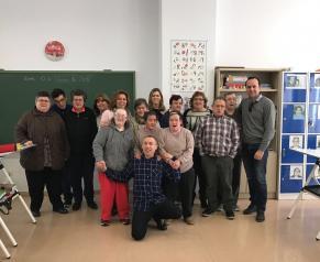 Visita de Antonia Coloma al Centro de Integración Sociolaboral de Valdeganga