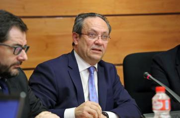 El consejero de Hacienda y AAPP comparece en la Comisión de Presupuestos de Las Cortes