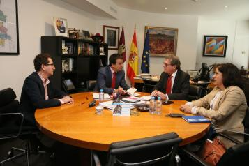 Reunión con el rector de la Universidad de Castilla-La Mancha