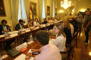 La directora general de Relaciones Institucionales y Asuntos Europeos, Virginia Marco, asiste, a la reunión del grupo de trabajo para la elaboración de la Estrategia Nacional Frente al Reto Demográfico