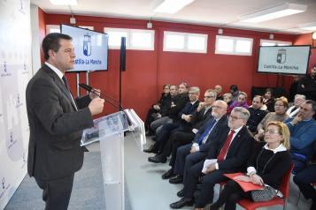 La Junta ofertará más de 1.000 plazas para maestros de Primaria en 2019 y activará un plan de renovación tecnológica en centros educativos