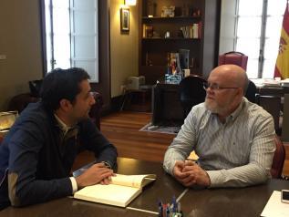 Reunión entre Ruiz Santos y el alcalde de San Pedro, Daniel Sancha