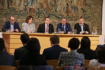 García-Page suscribe con CECAM, UGT y CCOO el Plan Regional de Empleo y Garantía de Rentas 2018-2020 (II)